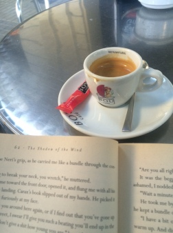 Cafe solo & a good book, Barcelona